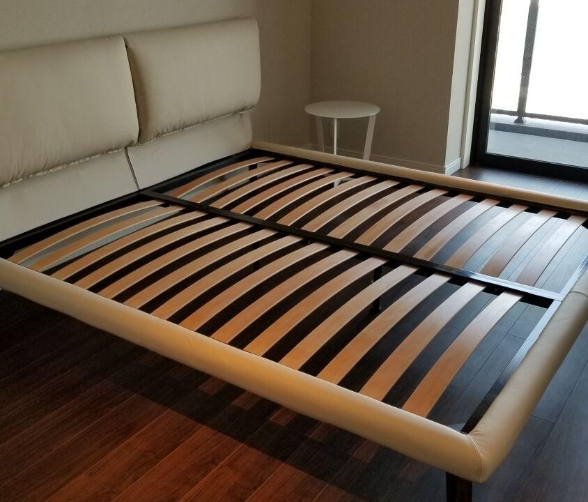 Cattelan Italia ADAM ベッド / JOLLY サイドテーブル