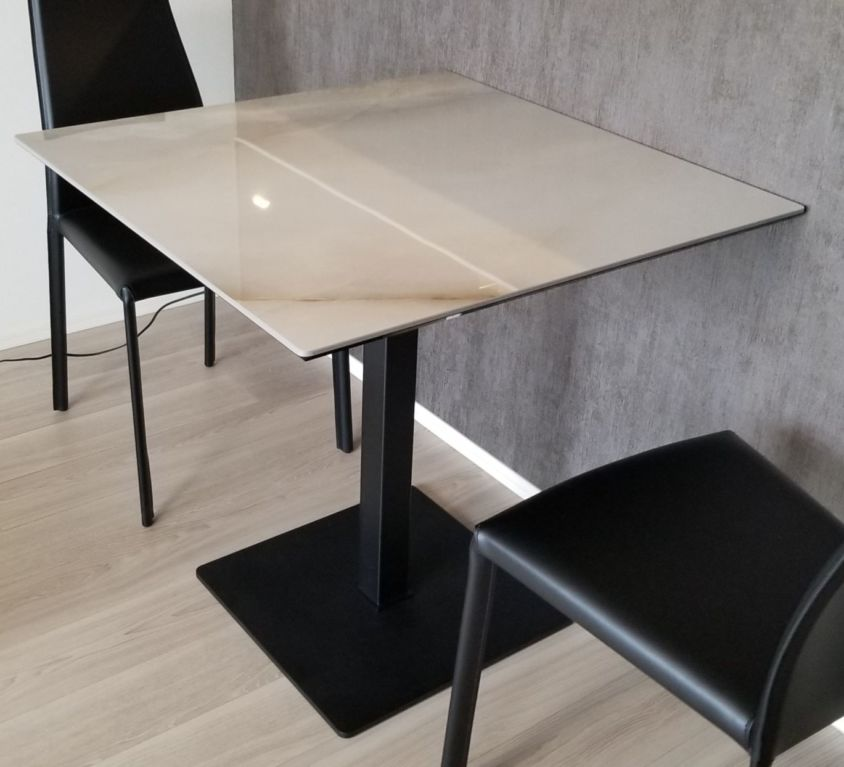 Cattelan Italia XOMテーブル、KAORIチェア