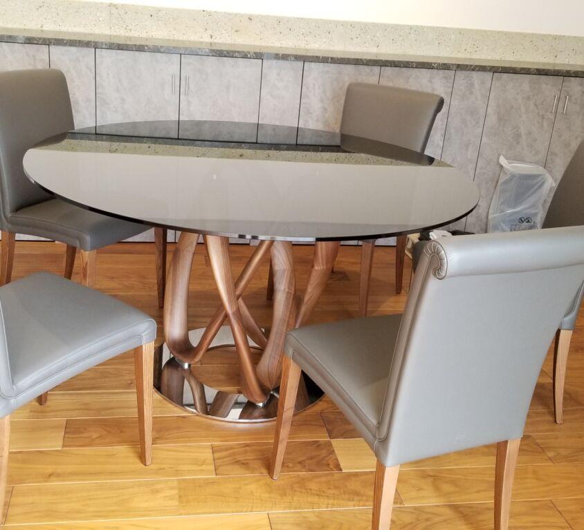 porada INFINITY テーブル / Poltrona Frau Vittoria チェア