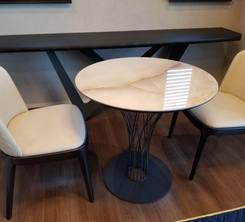 Cattelan Italia NIDO KERAMIK BISTROT テーブル、MAGDA COUTUREチェア
