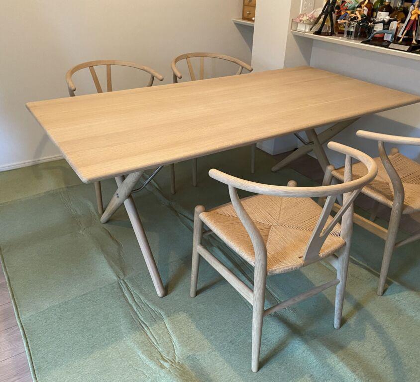 PP Møbler PP85 Cross Legged Table Oak Soap、Carl Hansen & Søn CH24 Oak Soap