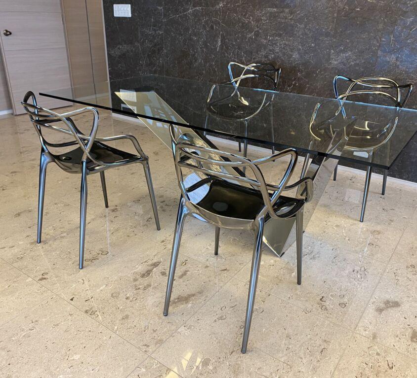 Cattelan Italia VALENTINOX テーブル、Kartell MASTERS チェア