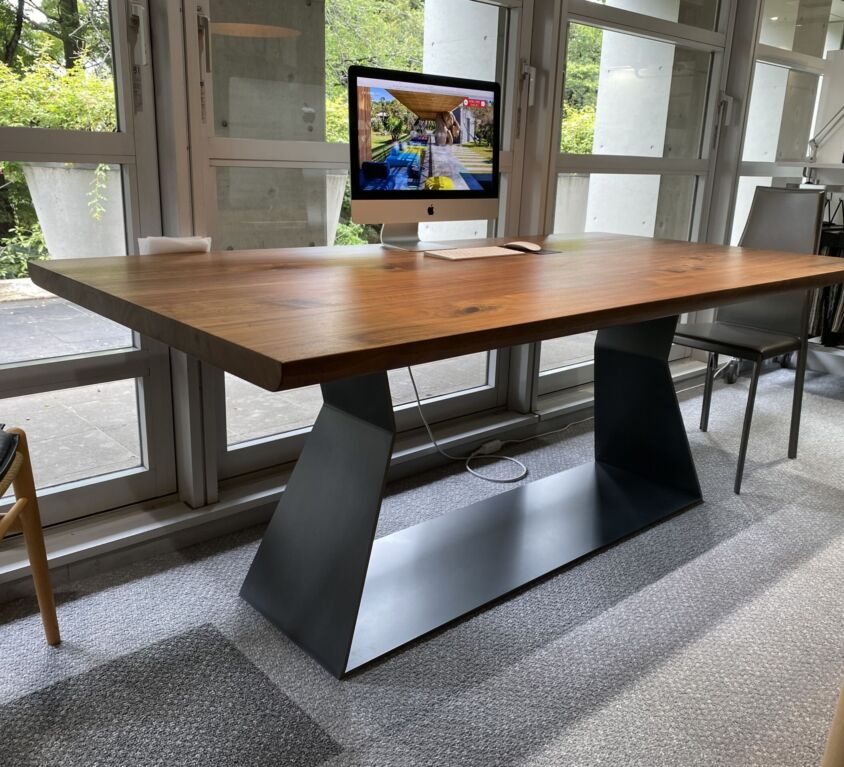 Riva1920 Bedrock Plank テーブル